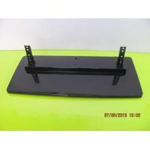 TOSHIBA: 40XV645U. BASE TV/STAND